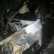 Porshe Cayenne сгорел в омском дворе