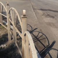 В Омске ищут подрядчиков для установки ограждений на 7-й Северной