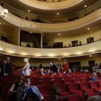 Десять омичей могут стать театральными блогерами