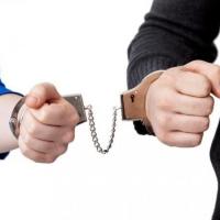 В Омске задержали студентов, торговавших наркотиками