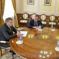 Губернатор Омской области собирает команду в Общественную палату