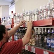 С сегодняшнего дня после 22 часов омичи смогут купить спиртное только в ресторанах