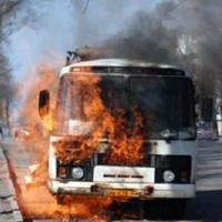 В Омске загорелся очередной автобус