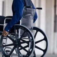Около ста родителям детей-инвалидов в Омске увеличили размер компенсации затрат на домашнее обучение