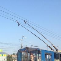 В Омске ищут подрядчика на ремонт троллейбусной линии