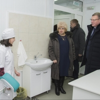 Глава Омской области побывал на открытии ФАПа в Любинском районе