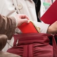 Омич систематически обчищал карманы пассажиров маршруток
