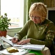 Социальный работник из Нововаршавского района получила 2,5 года условно за хищение 57 тысяч