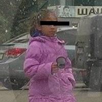Омич просит отправить цыганскую девочку-попрошайку в школу
