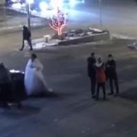 Массовая драка на свадьбе в Омске попала на видео