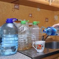 В домах вблизи омской магистрали отключат воду