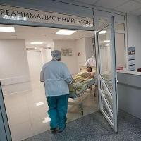В детсаду Омской области во время поздравительной речи женщина потеряла сознание
