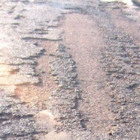 Прокуратура через суд потребовала отремонтировать дороги в омском селе