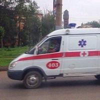 В Омске мужчина под действием наркотиков выпал из окна третьего этажа