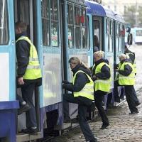 В омских автобусах вновь начали контролировать пассажиров