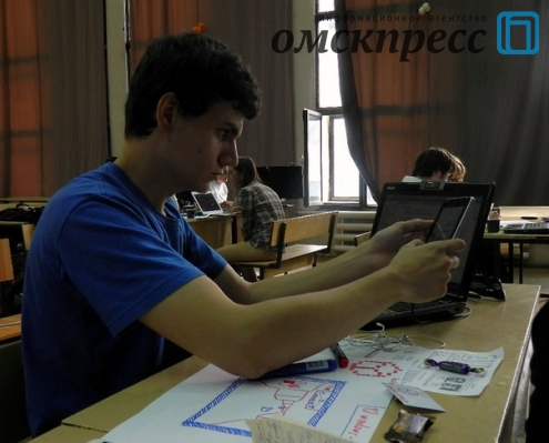 Ежевику выбрали чемпионом Омска по скоростному написанию игр