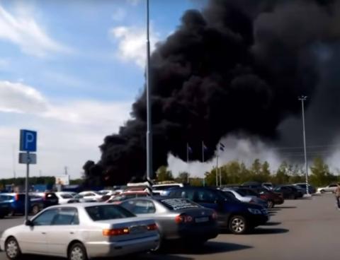 Пожар возле «Леруа Мерлен» Омск