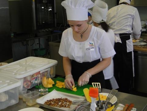 Повара Омской области приняли участие в соревнованиях по стандартам WorldSkills