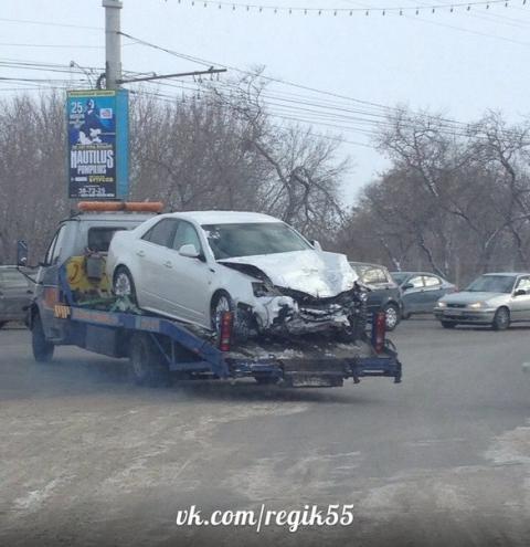 Последствия аварии. Автомобиль Cadillac