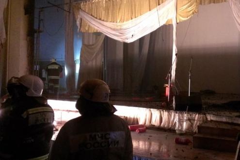 В омском ДК Красной Гвардии во время выступления артистов загорелась сцена