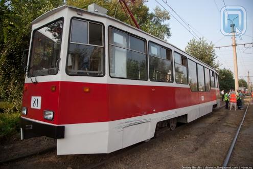 В Омске трамвай сошёл с рельс