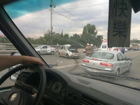 Смертельное ДТП на мосту в Омске: погибли два человека