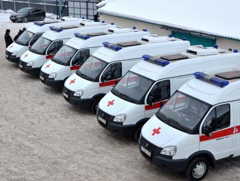 В Омской области появились 15 новеньких «неотложек»