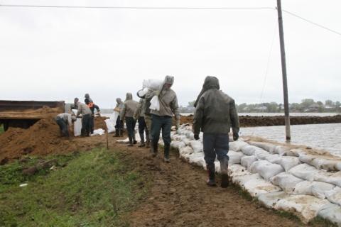 «Большая вода» отрезала от цивилизации 2 населенных пункта Омской области