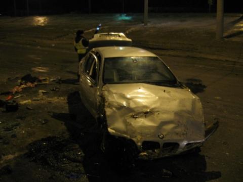 20-летний безработный омич опрокинул свой BMW