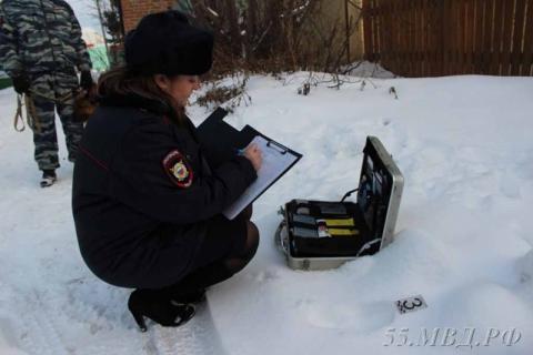 В Омской области служебная собака помогла раскрыть кражу аккумулятора из большегруза
