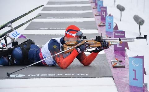 Омский биатлонист выиграл третью медаль сочинских Игр