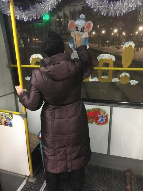 Омичи могут прокатиться в новогоднем трамвае