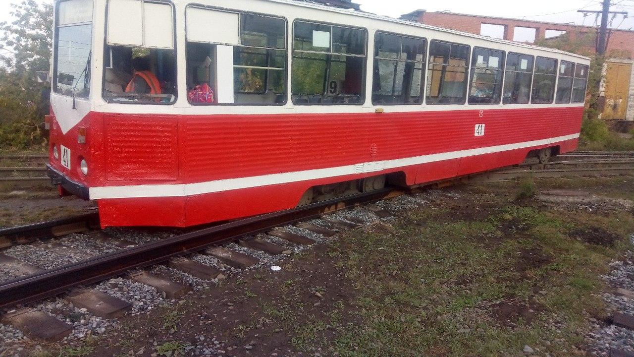 В Омске на 11-й Ремесленной сошел с рельсов трамвай