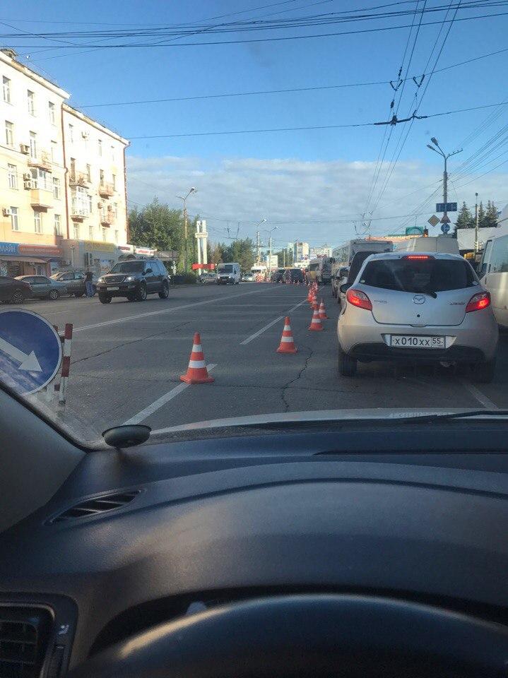 В Омске образовалась пробка от вокзала до цирка