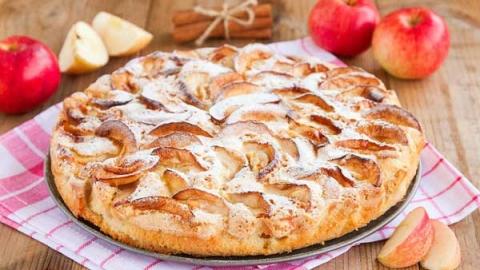Как приготовить шарлотку пышную с яблоками в духовке