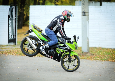 Мотоциклетные комплектующие