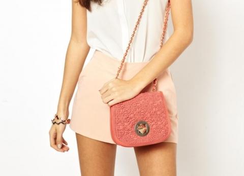 модная маленькая сумочка