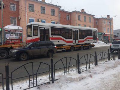 По омским трамвайным путям пустят новый вагон