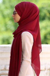 Омская студентка решила судиться со своим колледжем из-за хиджаба