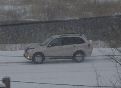 Омских автолюбителей предупредили о затяжном снегопаде