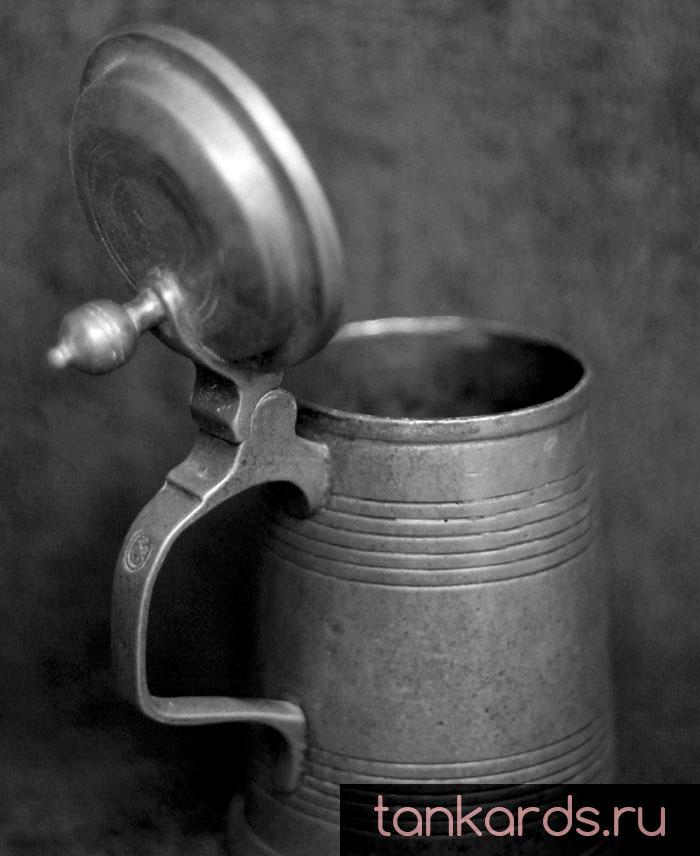 Немецкая коллекционная пивная кружка с кр ышкой