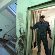 На омские лифты выделяют миллиард