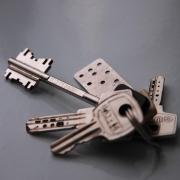 Для детей-сирот омские власти купят 34 квартиры