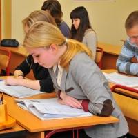 894 омских школьника сдают сегодня ЕГЭ