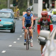 Омских чиновников обязали выделить для велосипедистов отдельные дорожки