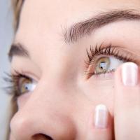 Как избавиться от сухости и дискомфорта в глазах?