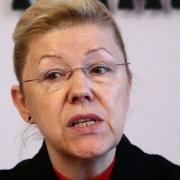 Елена Мизулина предложила внести православие в Конституцию