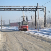 Из-за вырубки деревьев сократится путь омского трамвая