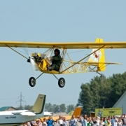 В Омске состоялось авиашоу в День воздушного флота