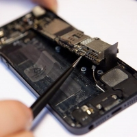 Почему ремонт iPhone лучше доверить профессионалам?